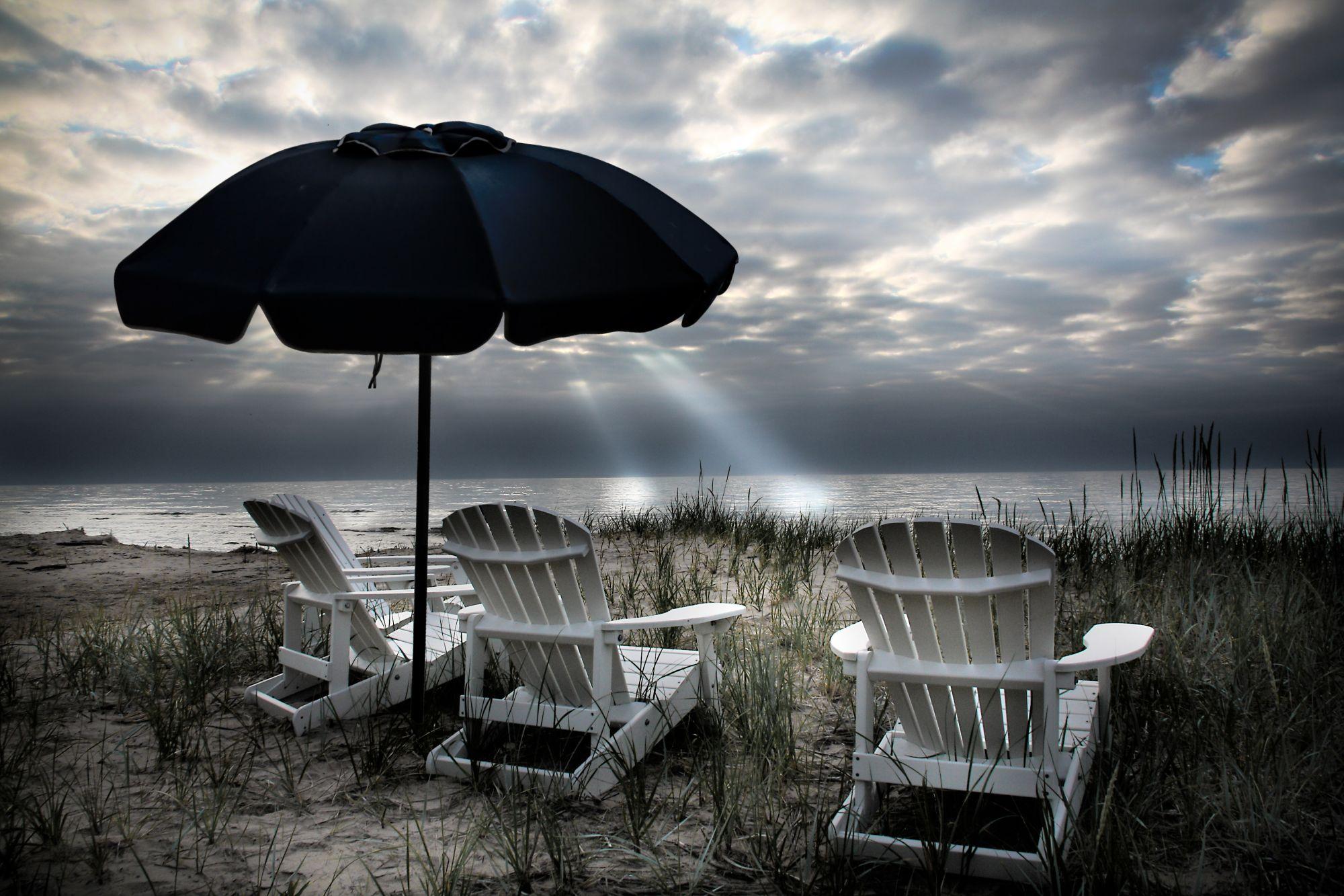 Beach Unbrealla & 4 Chairs