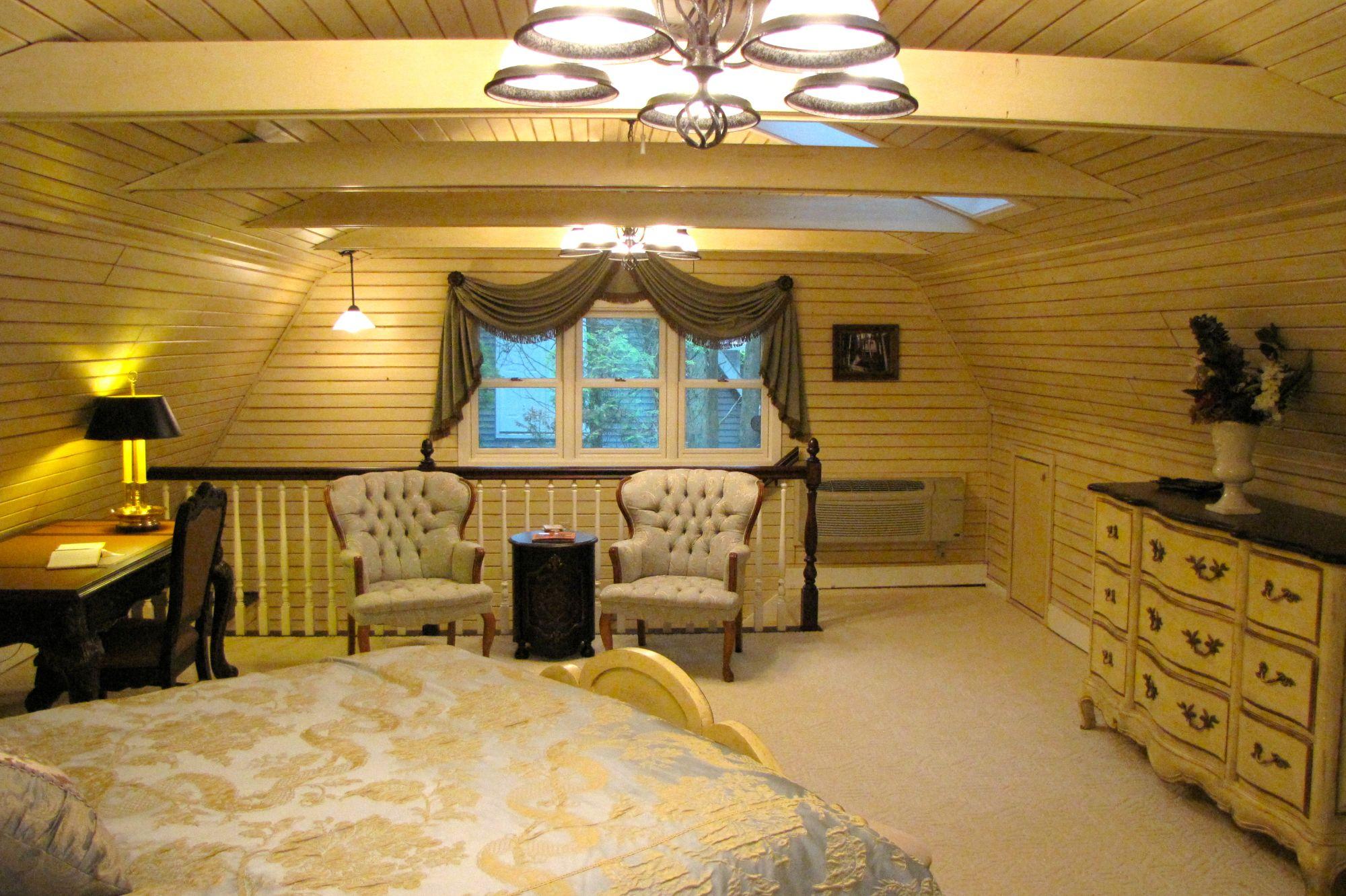 Cottage Mst. Bedroom
